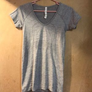 Lululemon run swiftly vneck 6.  Used condition